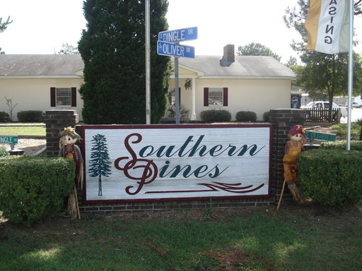Southern pines mhc 989 homes available 3100 south for Builders in florence sc