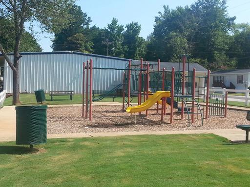 Fourseasonsfayettevillegeorgiamobilehomesforrentforsale playground