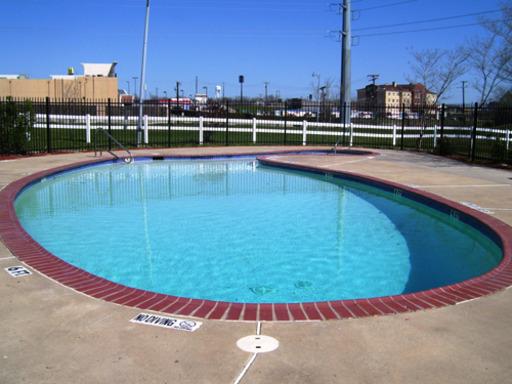 Lakewoodestatesroysecitytexasmobilehomesforrentforsale pool