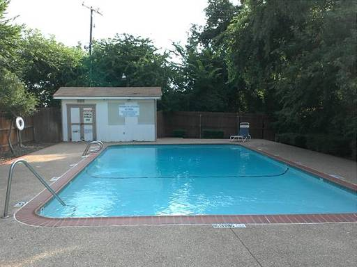 Rollinghillsdallastexasmobilehomesforrentforsale pool