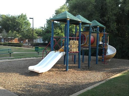 Rollinghillsdallastexasmobilehomesforrentforsale playground