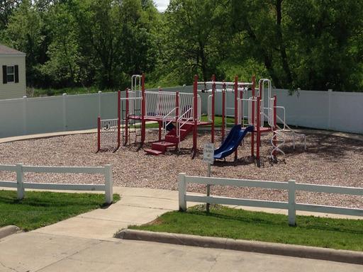 Southridgeestatesdesmoinesiowamobilehomesforsaleforrent playground