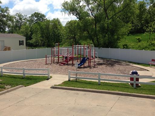 Southridgeestatesdesmoinesiowamobilehomesforsaleforrent playground2