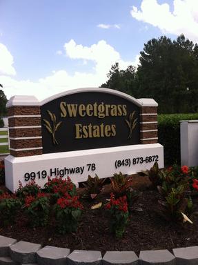 Sweetgrassestatesladsonsouthcarolinamobilehomesforrentforsale entrancesign2