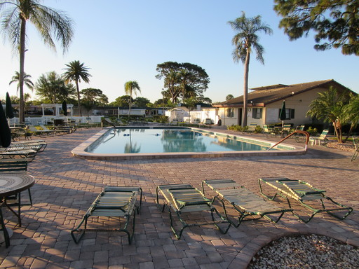 Ranchero village corale club house pool