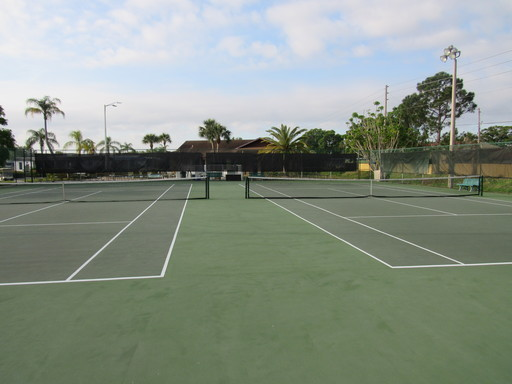 Ranchero village lake house tennis courts 2